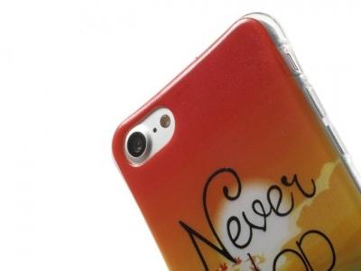 Ултра тънък силиконов протектор за  iPhone 7 / 8- Текстура - Never Stop Dreaming