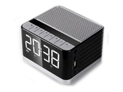 Колонка с Часовник Bluetooth  P8 with Radio and Black display